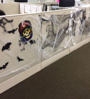 halloween-cubicle-decorations-2